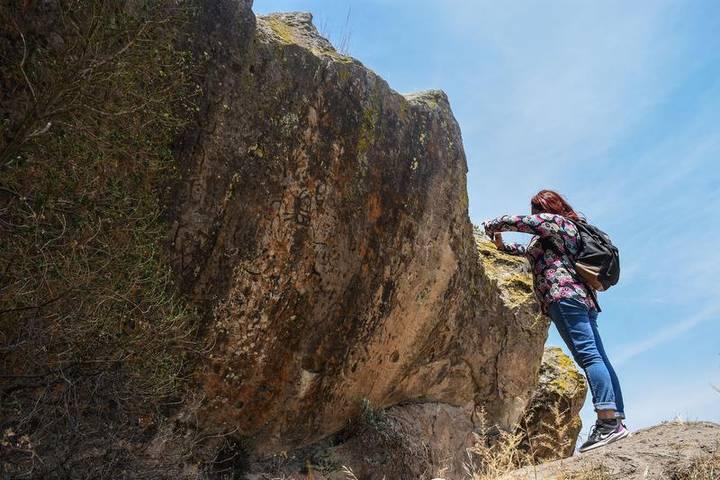 Los petroglifos de Santa María de las Cuevas, dan cuenta que hace miles de años fue un asentamiento prehistórico