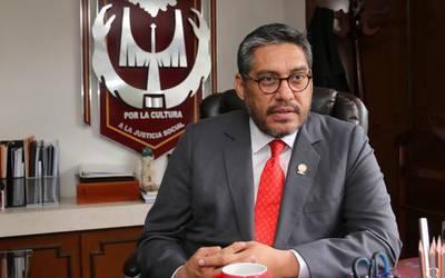 Resultado de imagen para Luis González Placencia rector de la Universidad Autónoma de Tlaxcala
