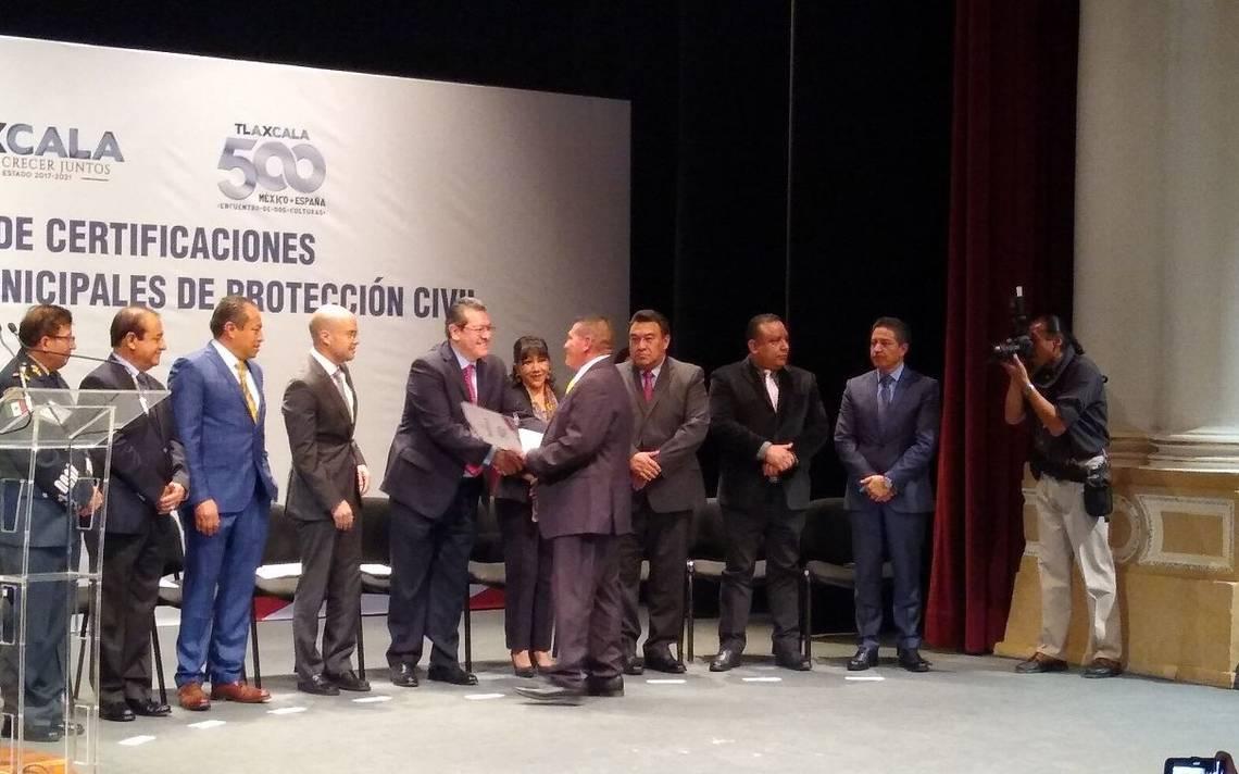 Reciben directores municipales de Protección Civil sus constancias de certificación - El Sol de Tlaxcala